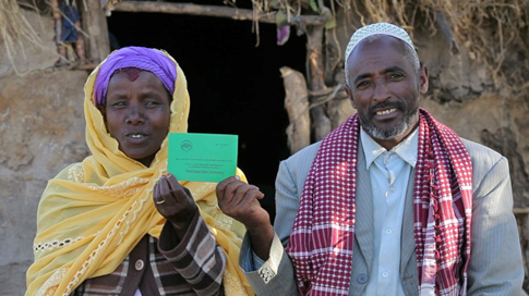 Ethiopia-Couple-with-Land-Certificate