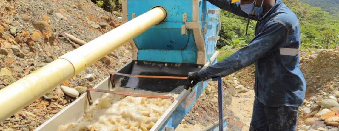 rtisanal gold miners in Tadó, Chocó employ USAID-funded, mercury-free mining equipment to enhance productivity and mitigate environmental impact (Oro Legal)